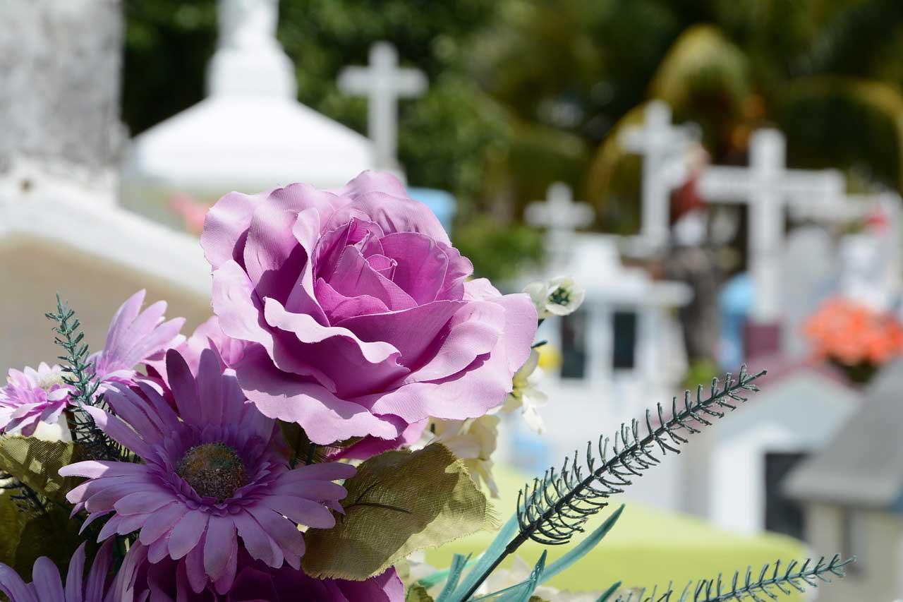 Sterbegeldversicherungen schützen bei bösen Überraschungen der Beerdigungskosten