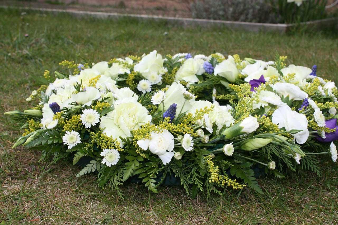 Es geht nicht ohne Bestattungsunternehmen